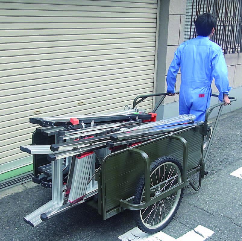 ★前後の板は簡単に取り外すことができ、長物の運搬も可能です。