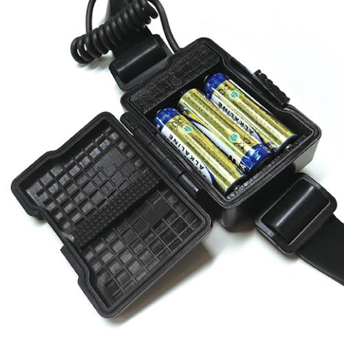 単3電池×3本でも使用可能(電池別売)