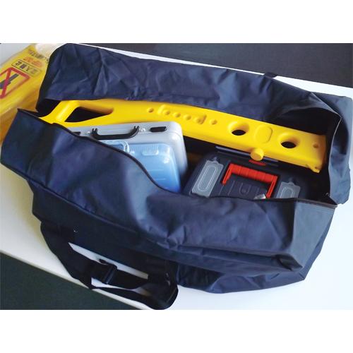 別売のEA927CJ-21のバッグなら、伸縮バリケードがすっぽり入ります。